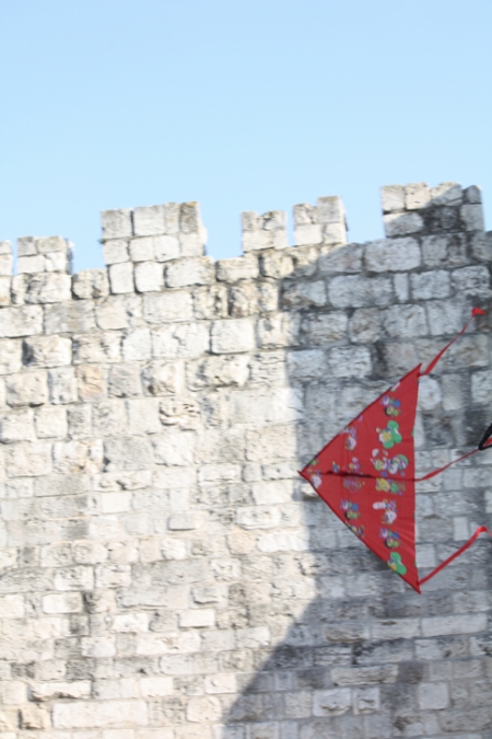 Kite-flying near the walls of Jerusalem's Old City. Photo: Laura Sheahen/CRS