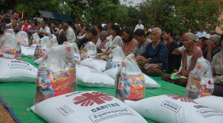 When severe floods struck Cambodia, Caritas distributed food to affected families. Photo courtesy of Caritas Cambodia
