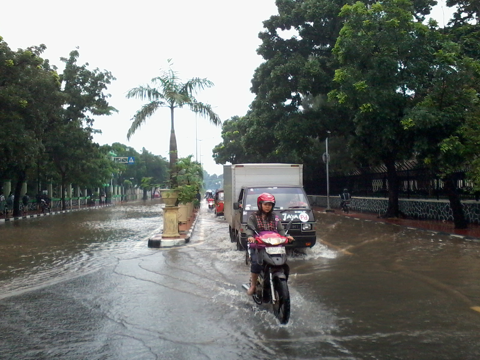 Floods hit the Indonesian capital Jakarta. Photo by F. Sundoko/Karina
