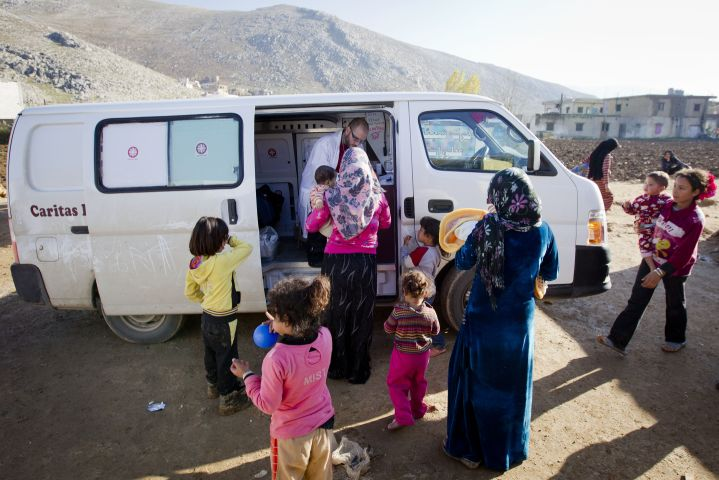 Caritas Lebanon provides healthcare to Syrian refugees through mobile clinics. Credit: Evert-Jan Daniels/CORDAID