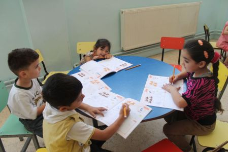 Syrian refugee children in Jordan recieve counseeling and education help thanks to Caritas. Credit: Caritas Jordan